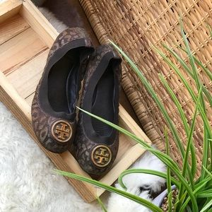 ♥️♥️Tory Burch Flats Size 5.5 very good condition